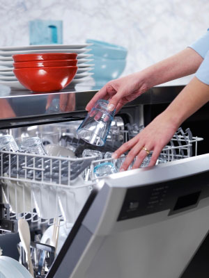 What to Keep in Mind When Purchasing a Commercial Dishwasher